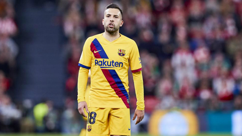 Alba: They throw enough sh*t at us from the outside, so we have to throw sh*t at each other - Bóng Đá