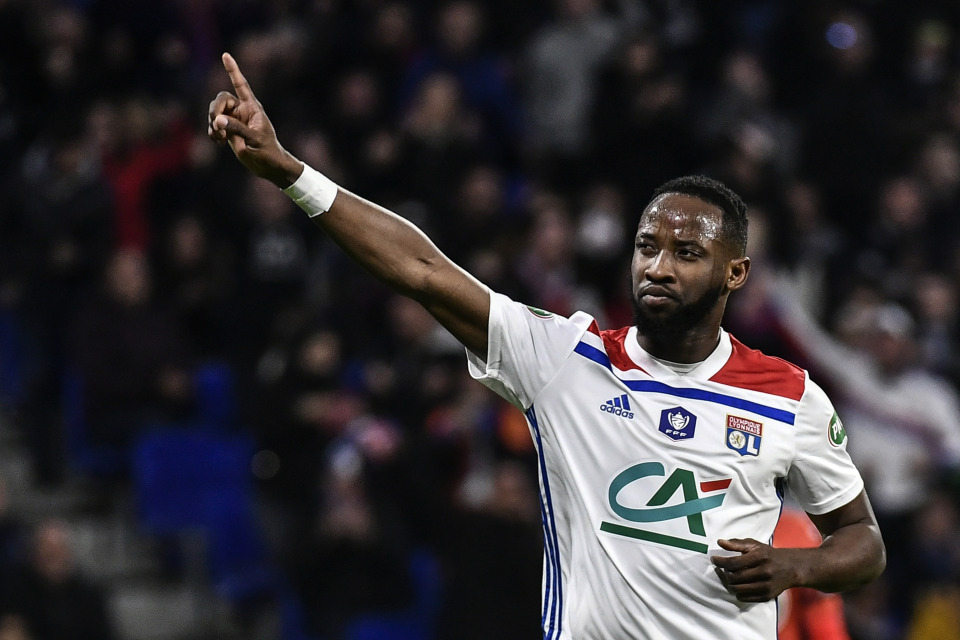 Lyon president Jean-Michel Aulas will let Dembele leave in the summer but he will have to settle for less than his €100m asking price - Bóng Đá