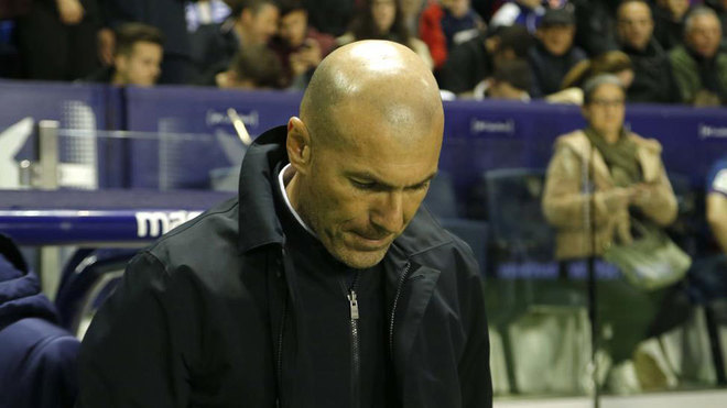 Zidane: Real Madrid can't let our heads drop after two bad results - Bóng Đá