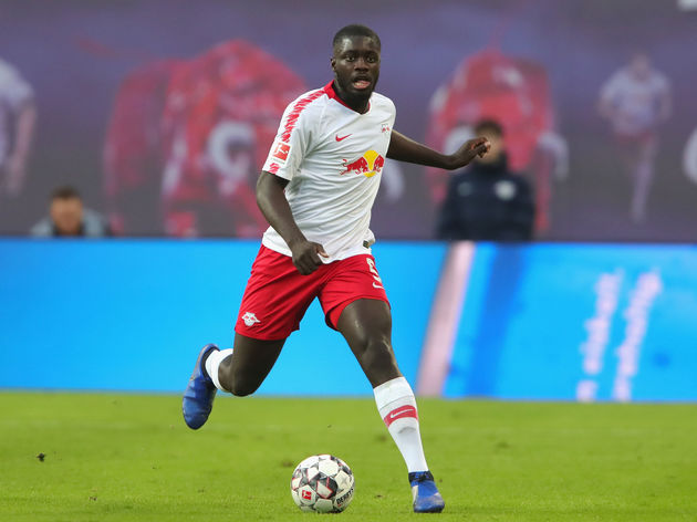 Chelsea manager wants to bring in defender Dayot Upamecano from RB Leipzig, and Ben Chiwell could arrive from Leicester City, reports the Mirror. - Bóng Đá