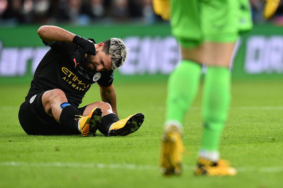 Man City boss Pep Guardiola confirms Sergio Aguero injury after Carabao Cup final triumph over Aston Villa - Bóng Đá