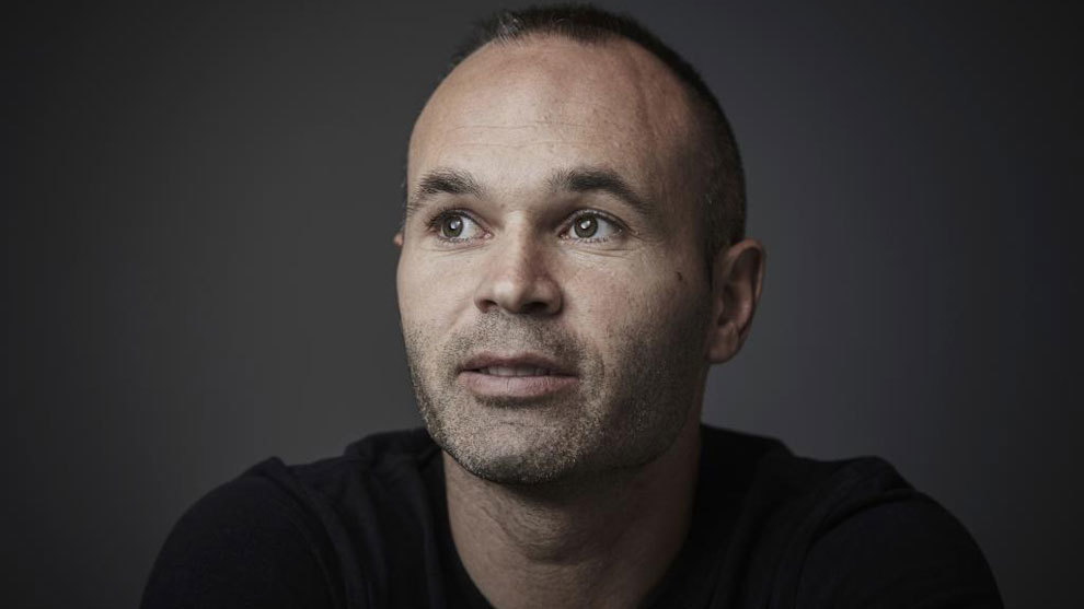 Iniesta's message about coronavirus: Pay attention to the instructions - Bóng Đá