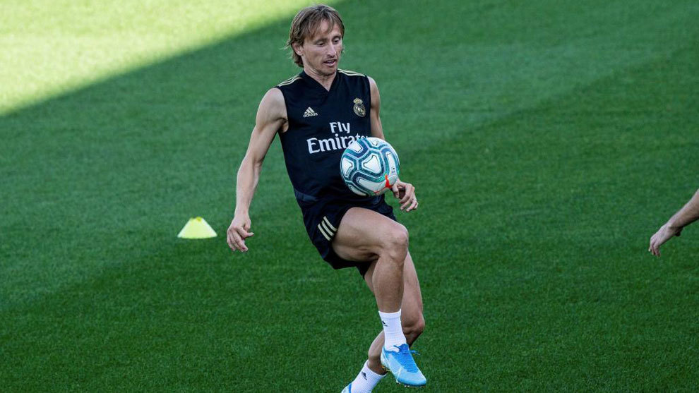 Modric set to stay with Real Madrid through to 2021 - Bóng Đá