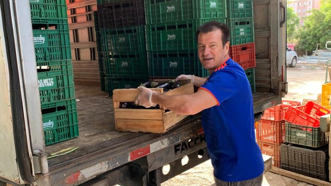 Dunga joins the fight against the coronavirus by donating ten tonnes of food - Bóng Đá