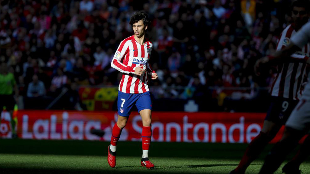 Joao Felix donates clothing and medical supplies to hospital in Portugal - Bóng Đá