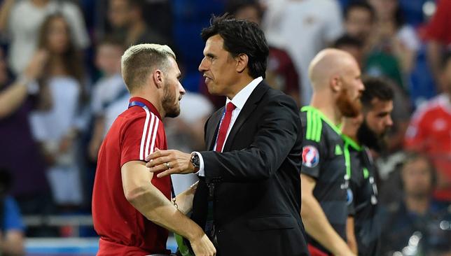'Ramsey hoàn toàn có thể chơi cho Manchester United' - Bóng Đá