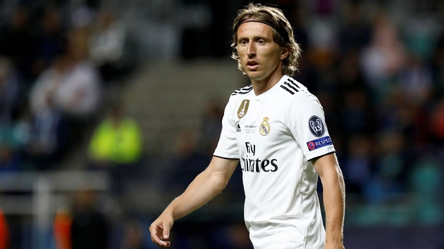 Modric 'willing to take pay cut' for new contract to help Madrid financially - Bóng Đá