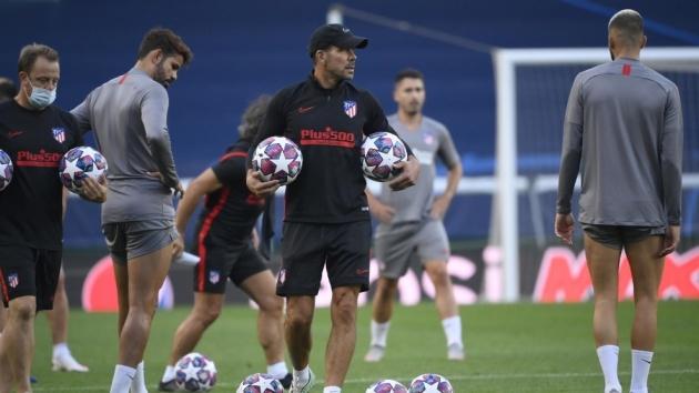 Thomas trains on the eve of Atletico Madrid's quarter-final - Bóng Đá