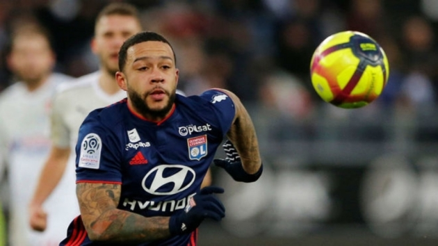 PSG are interested in Memphis Depay and have already contacted Lyon over a possible transfer.  - Bóng Đá