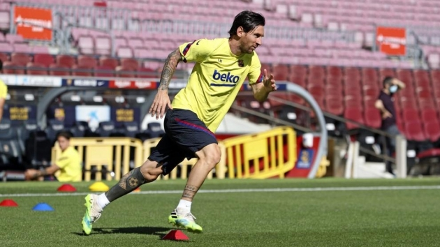 Messi continues to train on his own - Bóng Đá