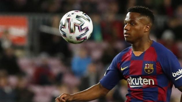 Hip injury keeps Ansu Fati out of Barcelona's first pre-season friendly - Bóng Đá