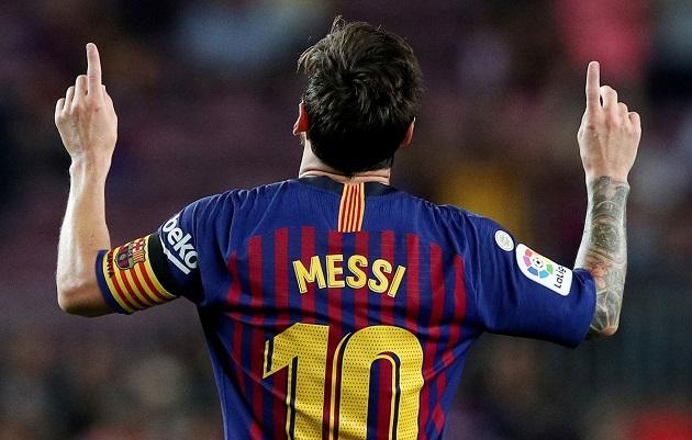 Lionel Messi liên tiếp xô đổ những kỷ lục khác nhau tại Camp Nou.