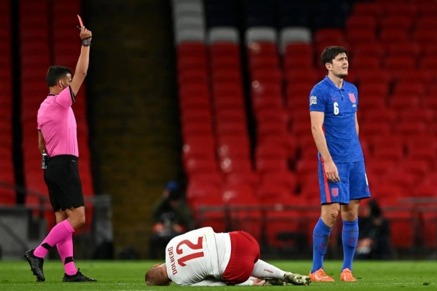 Roy Keane criticises Gareth Southgate for not consoling Maguire after his red card - Bóng Đá