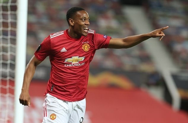 Manchester United striker Anthony Martial vows to learn from Tottenham Hotspur red card - Bóng Đá