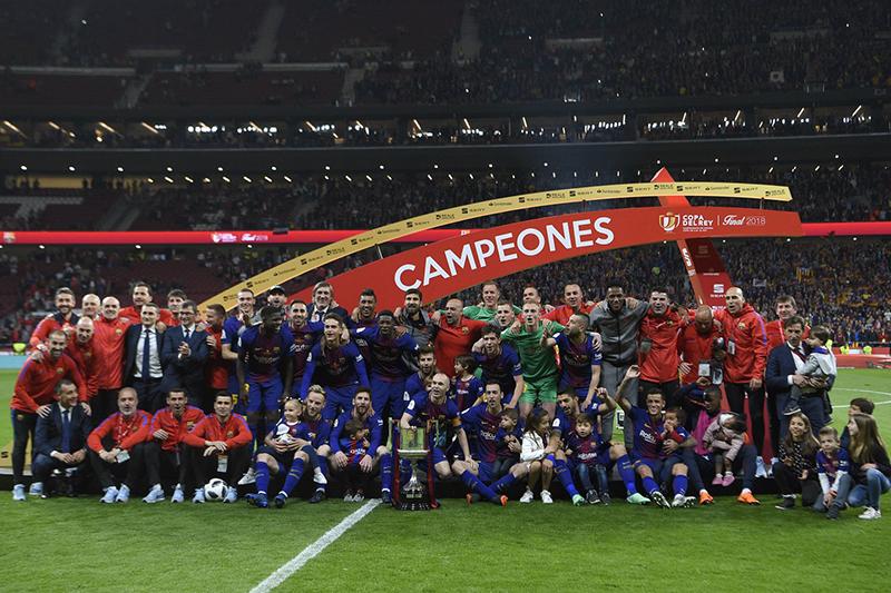 Thua đau ở Champions League, Barca vẫn có mùa giải tuyệt vời - Bóng Đá