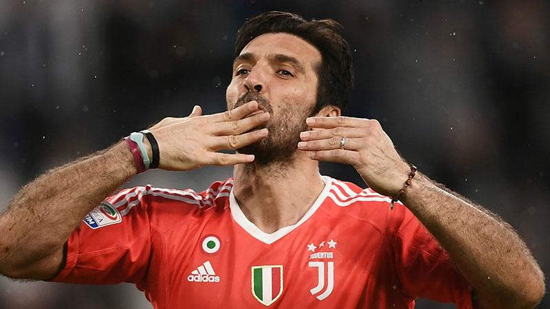 Rời Juventus, Buffon được một loạt đại gia Anh theo đuổi - Bóng Đá