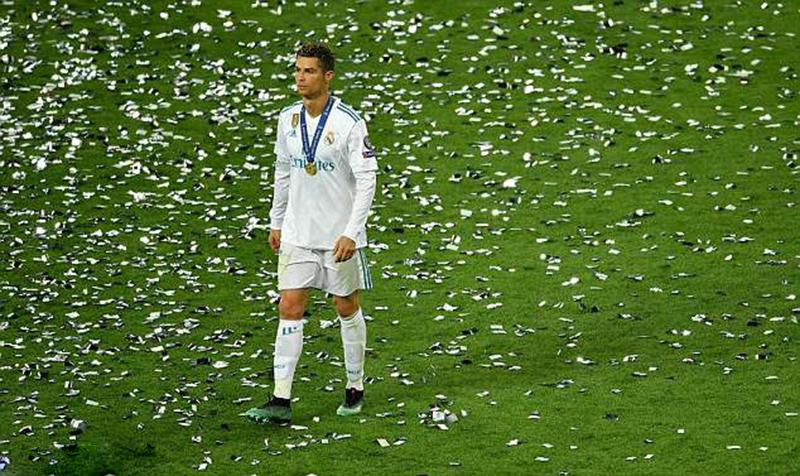 Ramos hay Ronaldo là ông vua phòng thay đồ Real? - Bóng Đá