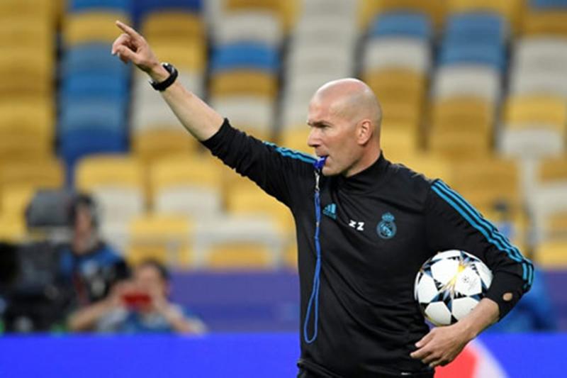 Lý do nào khiến Zidane chia tay Real sau chiến tích có