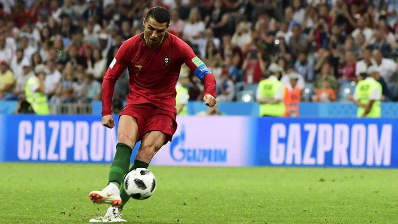Cựu trợ lý Sir Alex tiết lộ bí mật về những quả đá phạt của Ronaldo - Bóng Đá