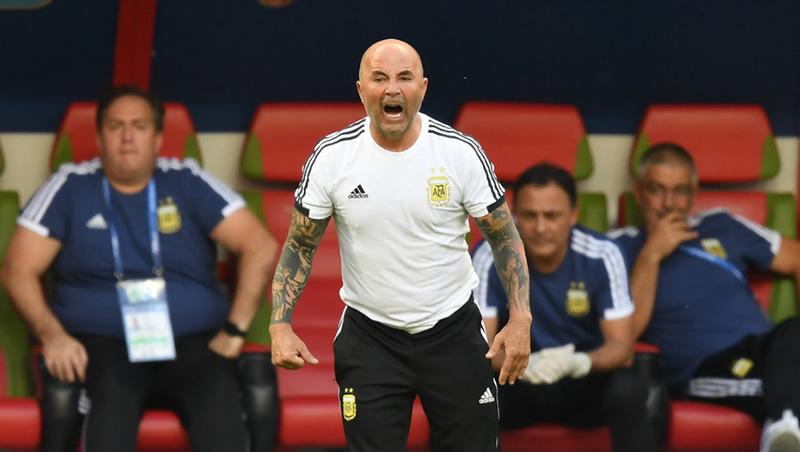 Argentina bị loại - Cái giá cho sự lộn xộn và nhố nhăng - Bóng Đá