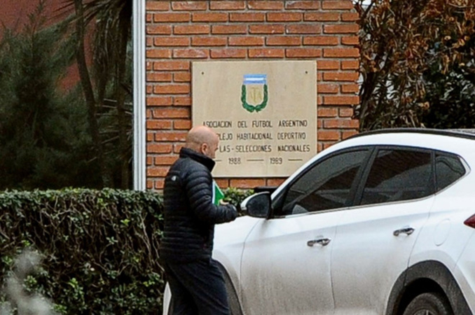 Tuyển Argentina hỗn loạn: HLV Sampaoli kháng lệnh Liên đoàn - Bóng Đá