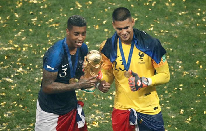 Thủ môn PSG vô địch World Cup nhưng chưa bắt phút nào cho tuyển Pháp - Bóng Đá