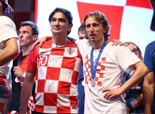 ĐT Croatia quyên góp tiền thưởng cho trẻ em - Bóng Đá