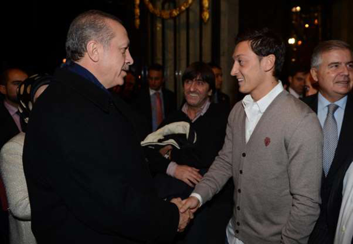 Tổng thống Thổ Nhĩ Kỳ phẫn nộ về vụ Mesut Ozil - Bóng Đá