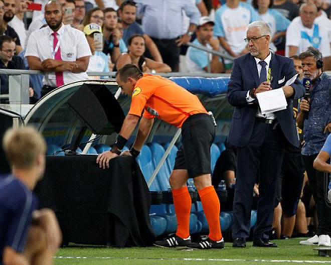 Khai màn Ligue 1, Marseille có chiến thắng ấn tượng nhờ... VAR - Bóng Đá