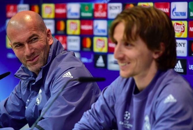 Modric chỉ ra 3 cái tên anh muốn làm đồng đội: Không Ronaldo lẫn Messi - Bóng Đá