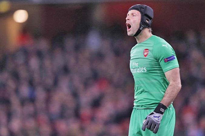 Arsenal chia điểm, Petr Cech vẫn hài lòng vì một điều - Bóng Đá