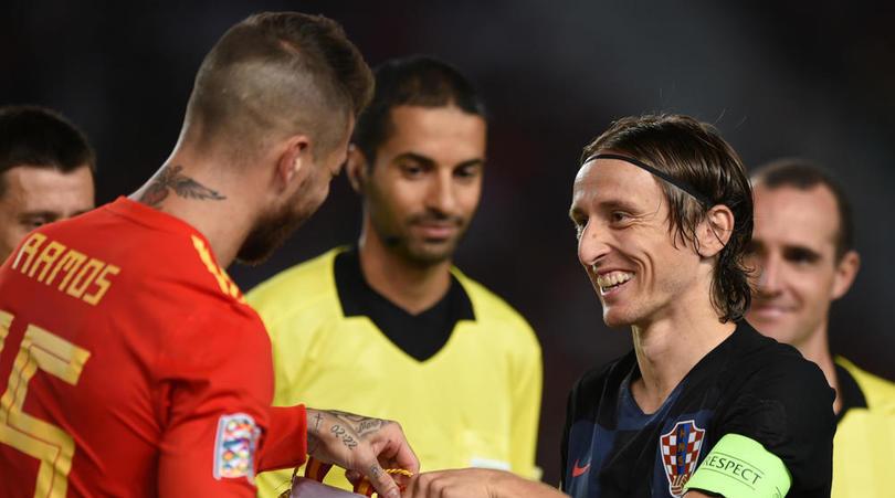 Modric bảo vệ Ramos sau phát ngôn của