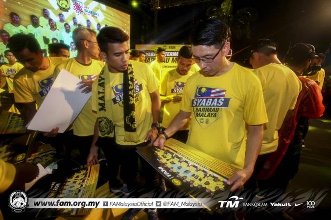 Thua Việt Nam, tuyển Malaysia được đón tiếp ra sao ở quê nhà? - Bóng Đá