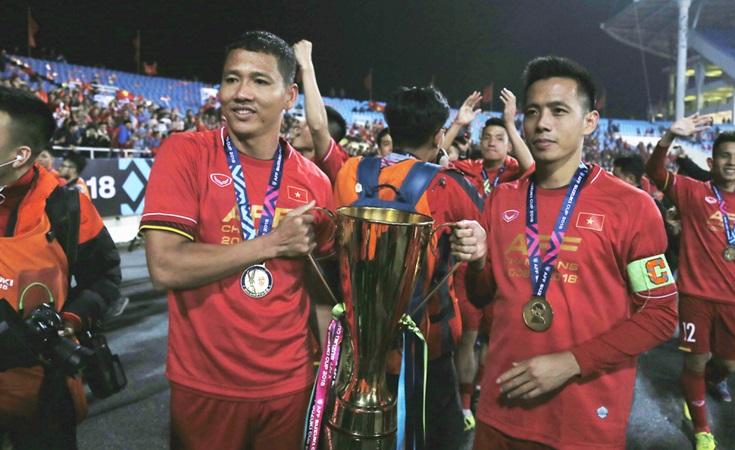 Vì sao Văn Quyết, Anh Đức không được thầy Park triệu tập cho Asian Cup? - Bóng Đá