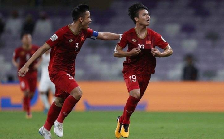 Chuyên gia Steve Darby cho rằng Quang Hải (số 19), Văn Đức, Công Phượng và Duy Mạnh nên ra nước ngoài thi đấu.