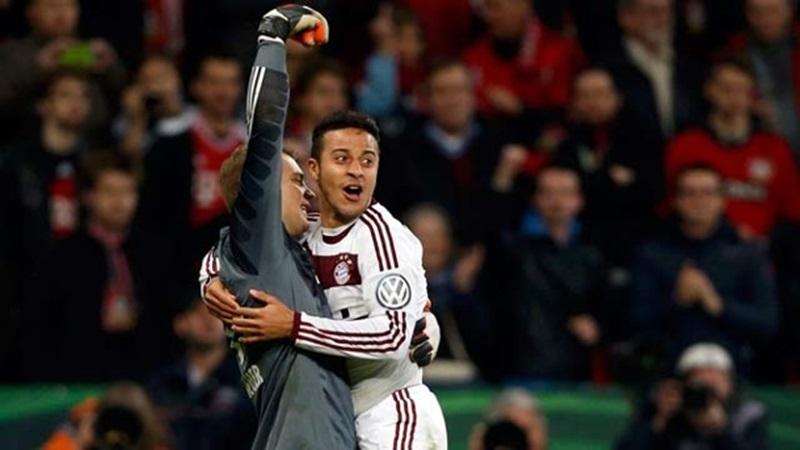 Cạnh tranh với Dortmund, Bayern đón