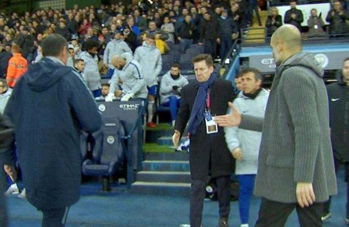 Chelsea thua thảm Man City, Sarri tiết lộ lý do không thèm bắt tay Pep - Bóng Đá