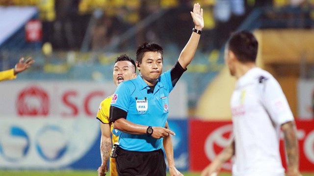 Chưa ra sân, trọng tài FIFA Việt Nam đã bất tỉnh vì bài kiểm tra thể lực - Bóng Đá