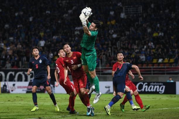 5 điểm nhấn trận Việt Nam vs Thái Lan: Văn Lâm toả sáng, khúc mắc trọng tài - Bóng Đá