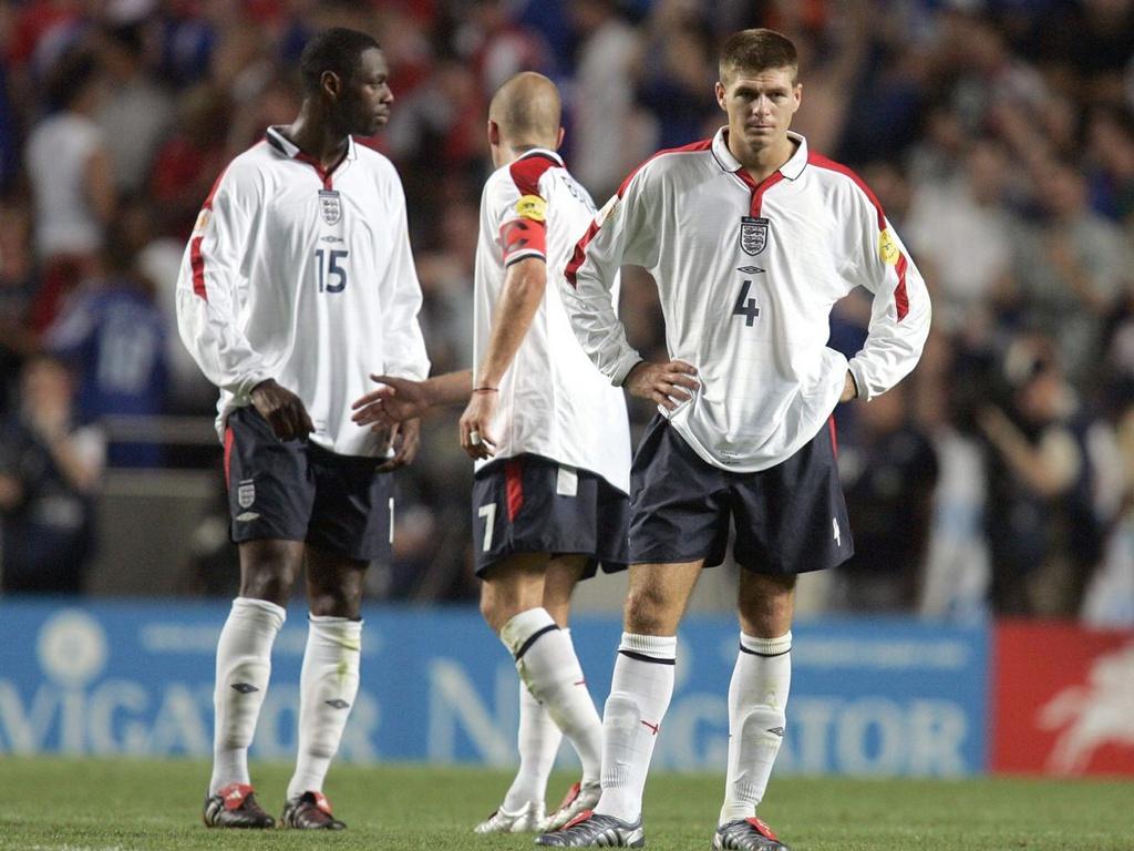 Gerrard và mùa hè sóng gió trước lời mời gọi từ Chelsea - Bóng Đá
