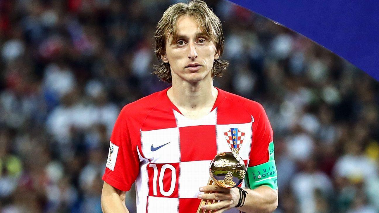 Messi bị gạch tên khỏi danh sách ứng viên QBV, đồng đội tại Barca nói gì? - Bóng Đá