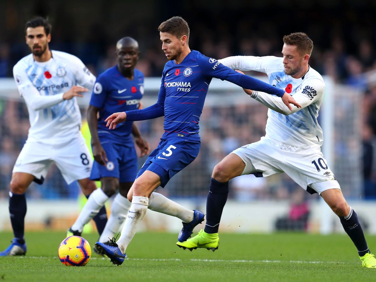 Chelsea deserved a penalty and a red card against Everton according to Match of the Day 2 - Bóng Đá