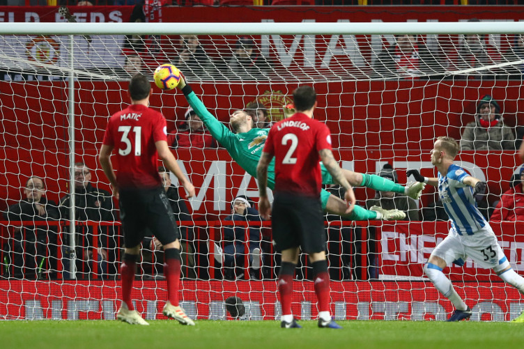Ole Gunnar Solskjaer shows his ruthless streak in Manchester United win vs Huddersfield - Bóng Đá