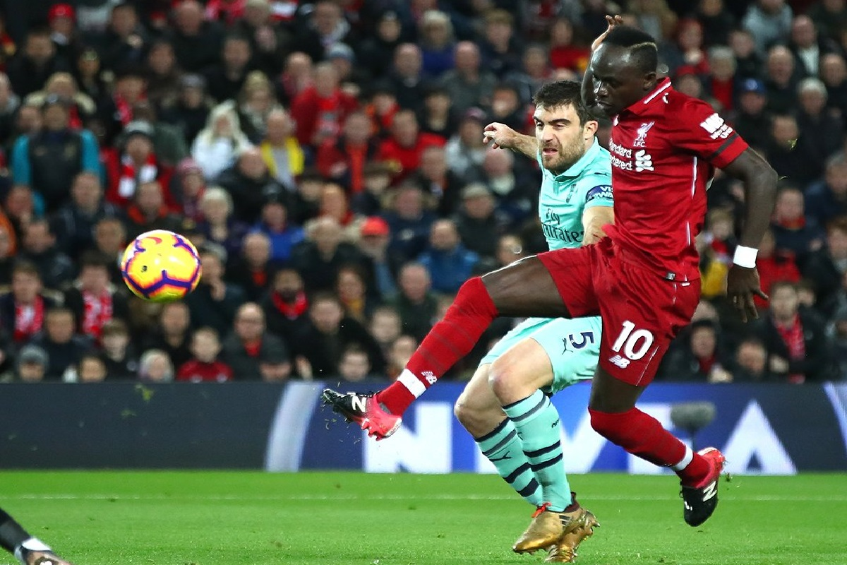 Arsenal's defensive shortcomings brutally exposed against Liverpool - Bóng Đá