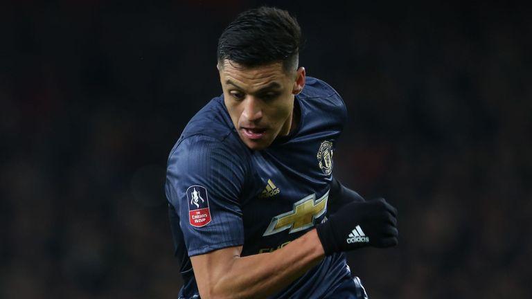 Solskjaer makes Alexis Sanchez prediction after Manchester United win at Arsenal - Bóng Đá