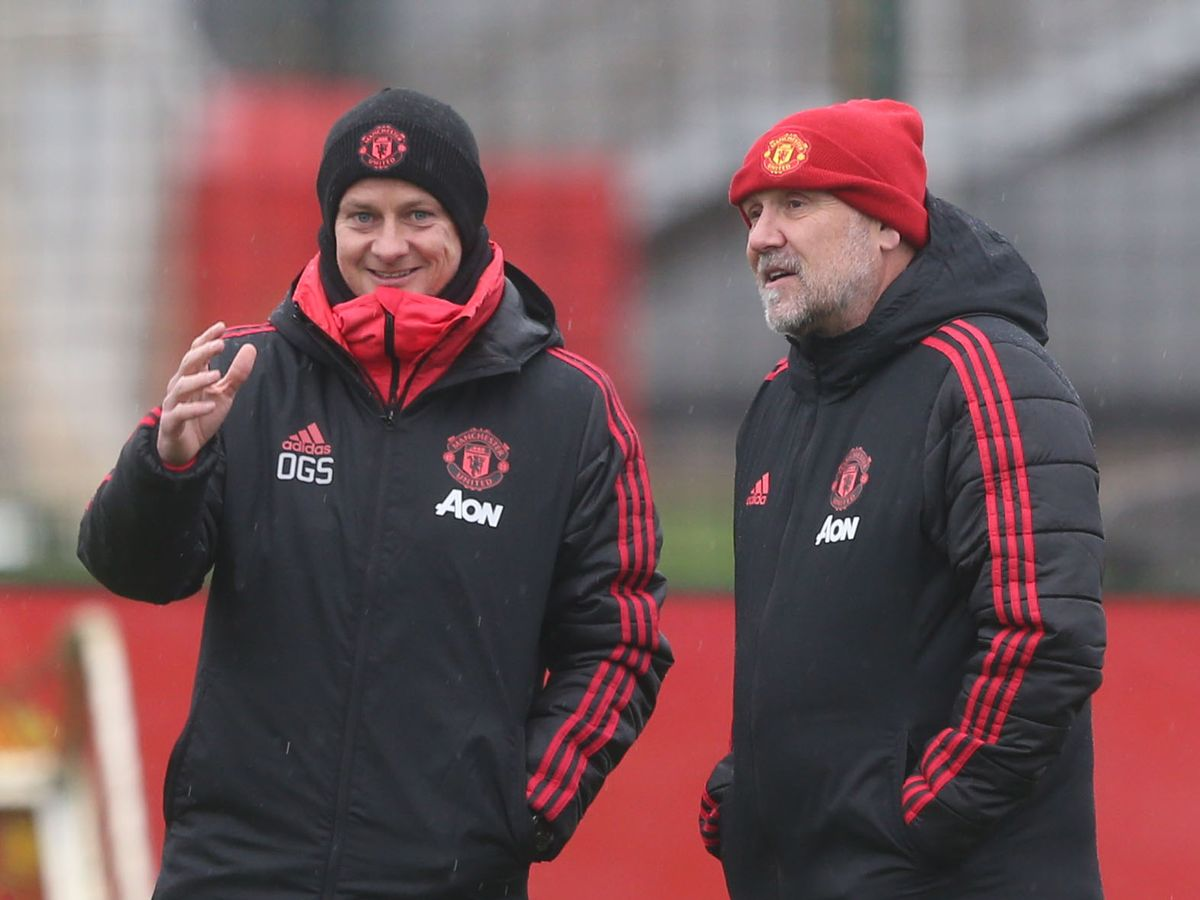 Phil Jones reveals Mike Phelan's role in Manchester United dressing room - Bóng Đá