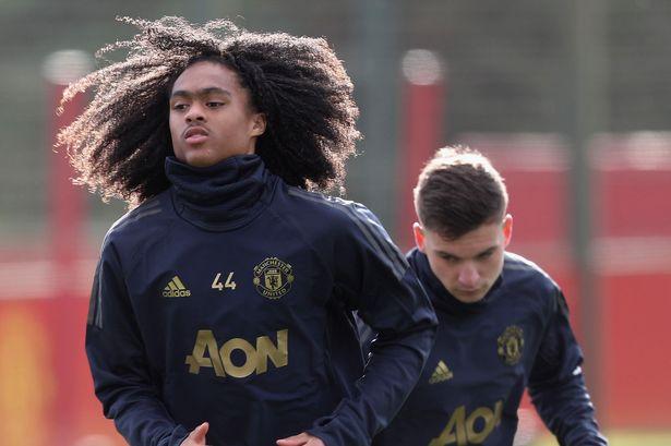 Tahith Chong opens up on Manchester United future - Bóng Đá