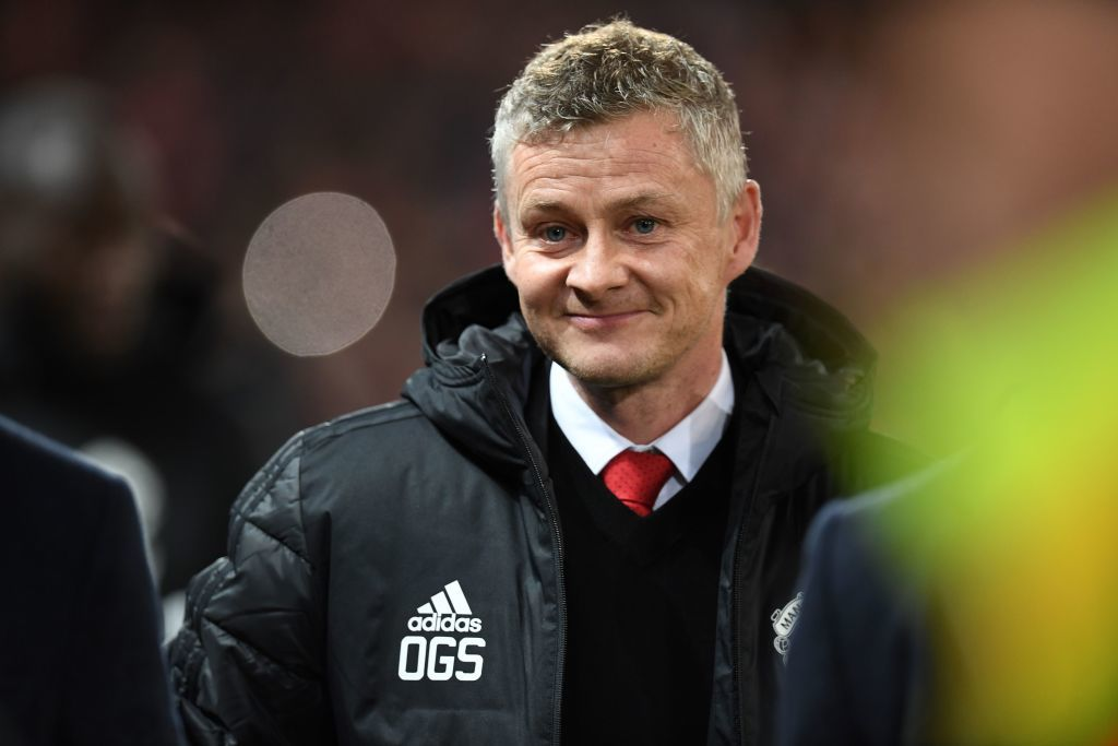 Ole Gunnar Solskjaer informs Manchester United star he won't be let go in summer transfer window during private conversation - Bóng Đá