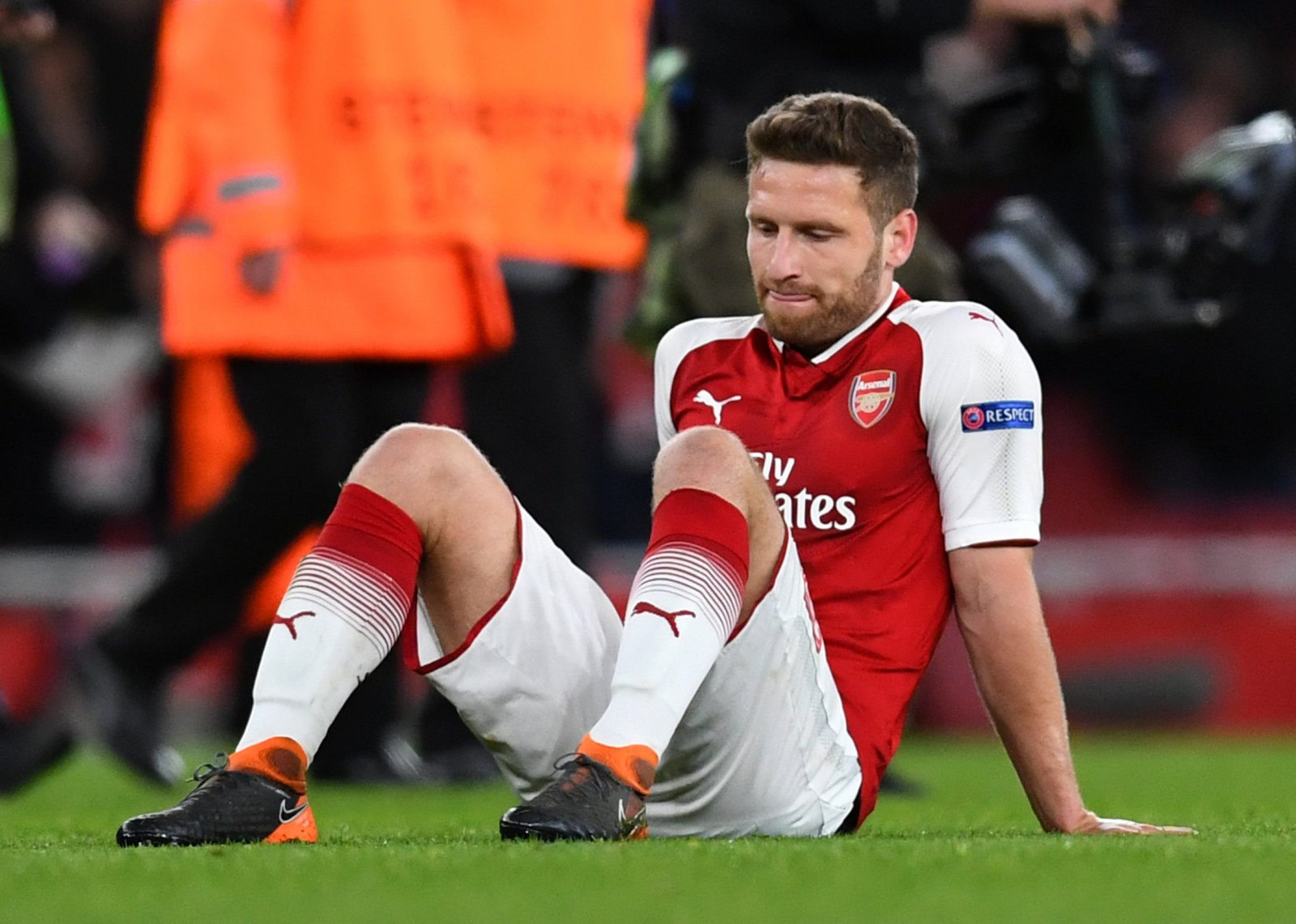 Arsenal have tried and failed to sell blundering Mustafi for last two summers - Bóng Đá