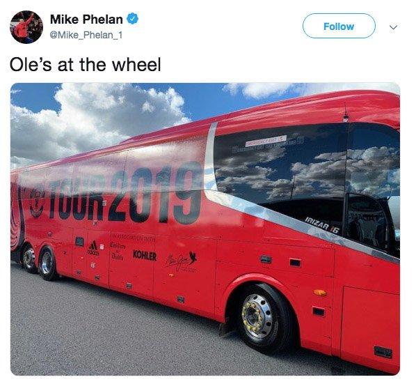 Man Utd fans fuming at Mike Phelan's Ole Gunnar Solskjaer tweet - 'Are you trolling?' - Bóng Đá